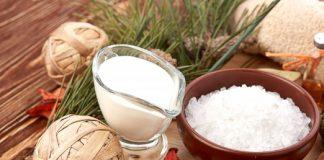 Mặt nạ sữa tươi với muối